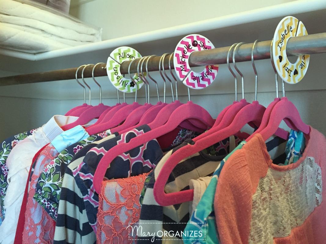 Girls Room Tour - 8 Closet Clothes Dividers