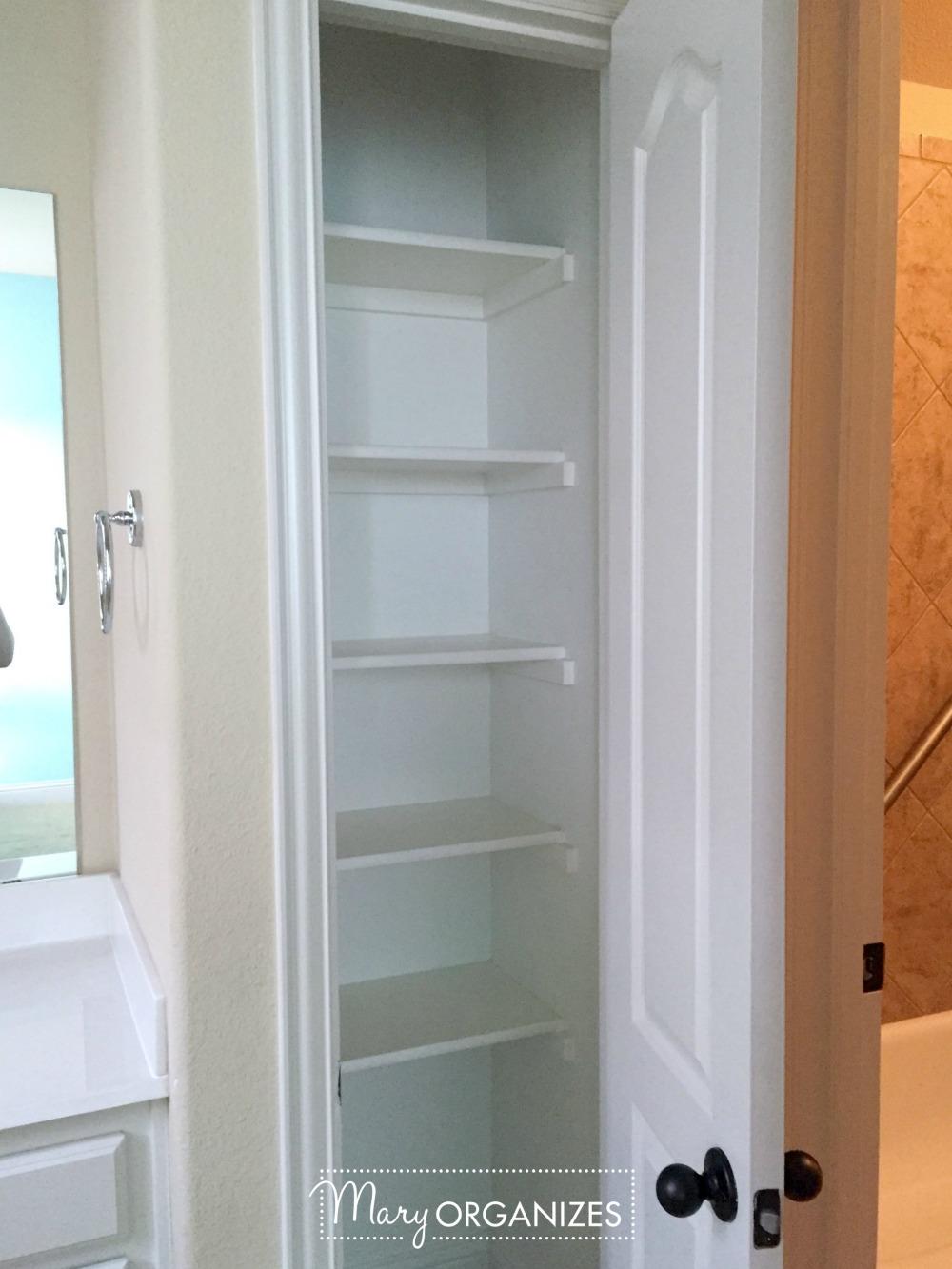 girls-suite-bathroom-before-2-mary-organizes